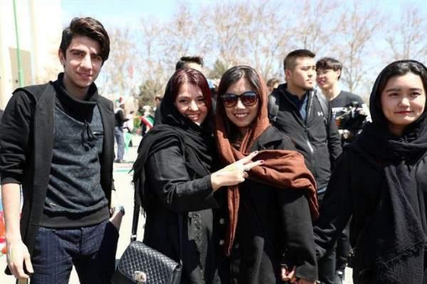 تصاویر | چند دختر ایرانی در آزادی بازی با چین را دیدند