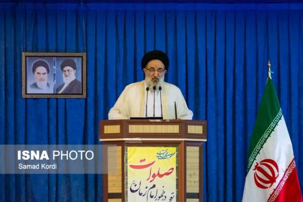 امام جمعه کرج: عیادت کنندگان کروبی باید مجازات شوند