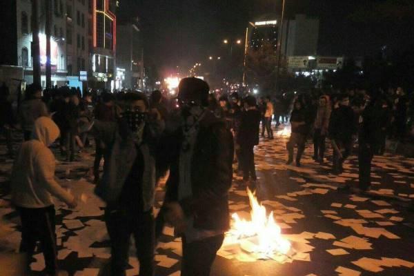 دام توهم توطئهی اعتراضهای مشهد و دیگر شهرها