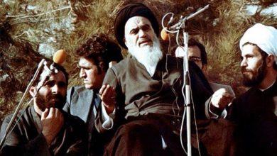 امام خمینی در بهشت زهرا در زمان انقلاب