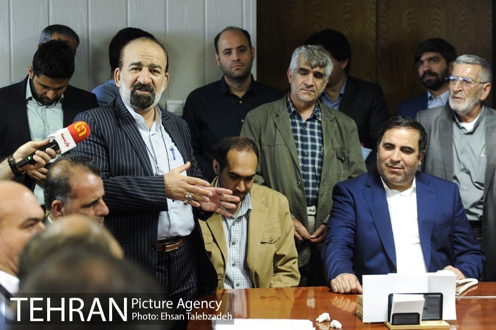 دیدار صمیمانه کارکنان شهرداری تهران با عیسی شریفی 35h