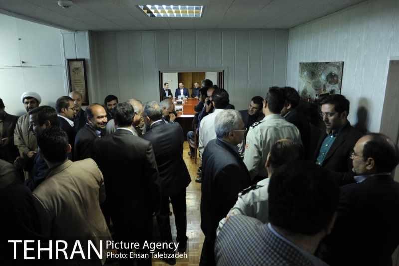 دیدار صمیمانه کارکنان شهرداری تهران با عیسی شریفی 82h