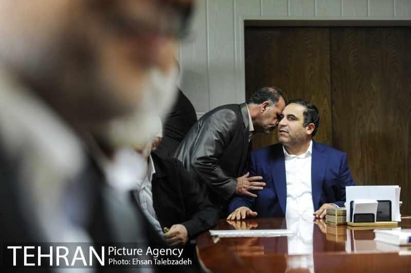 دیدار صمیمانه کارکنان شهرداری تهران با عیسی شریفی 26h