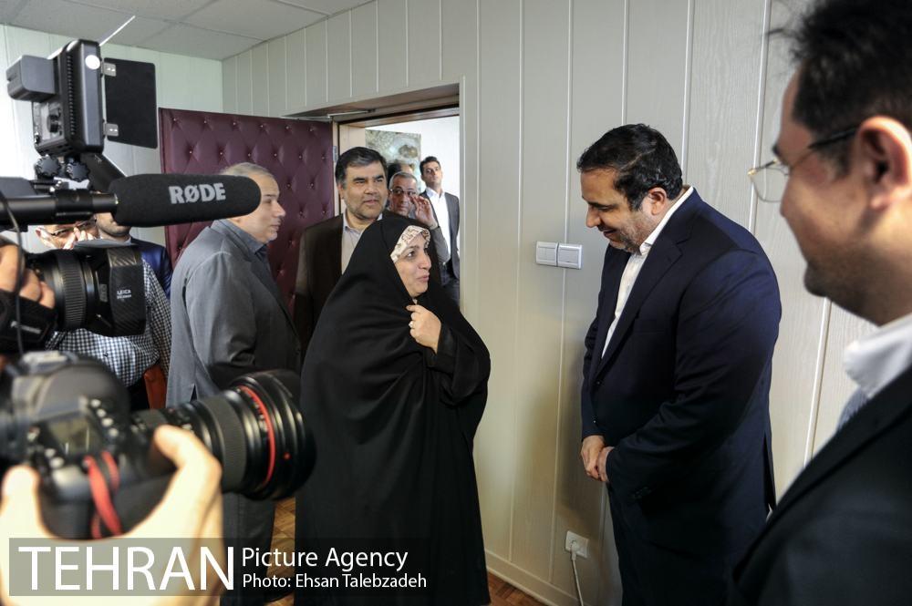 دیدار صمیمانه کارکنان شهرداری تهران با عیسی شریفی 25h