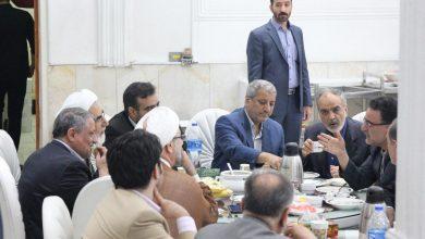 گزارش تصویری | افطاری روزنامه مستقل با حضور وزیر جوان