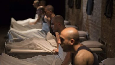 عکسی از نمایش ویتسک به کارگردانی سینا احمدی