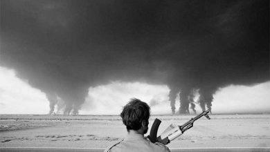 آتش در پالیشگاه آبادان، جنگ ایران و عراق عکاس: Henri Bureau