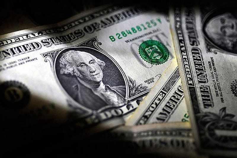آیا ارز در بانکها احتکار میشود؟