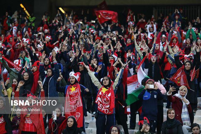 تفاوت دلیل مخالفت مصباح یزدی و کیهان با ورود زنان به ورزشگاه