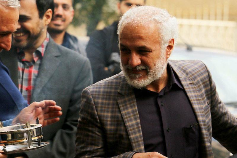 حسن عباسی بعد از دو ماه زندان آزاد شد
