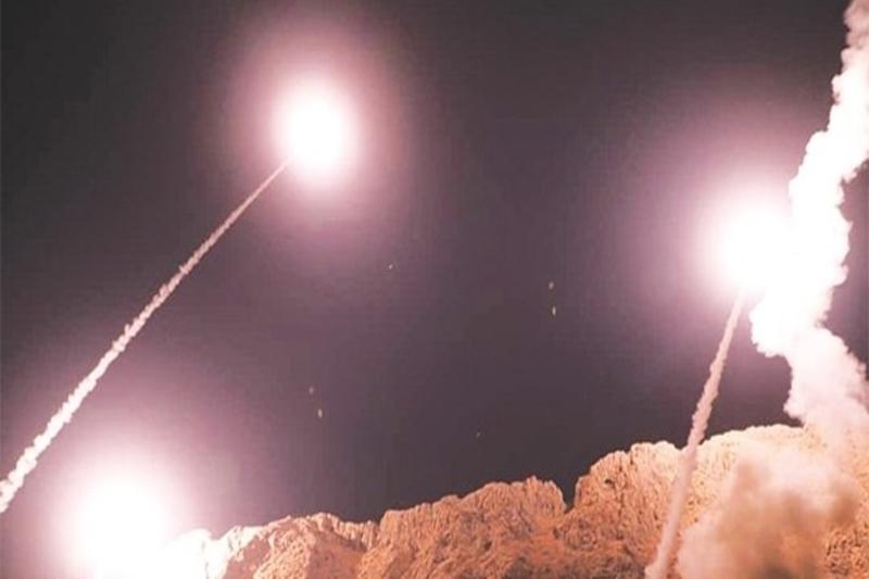تصاویر ماهوارهای از حمله موشکی به پایگاه عین الاسد