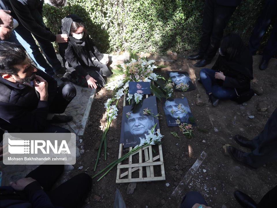 157664749 - در مراسم خاکسپاری محمدرضا شجریان چه گذشت؟ [+عکس]