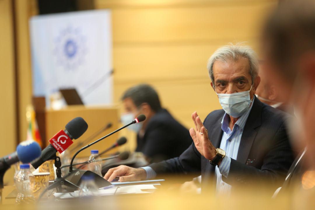 انتقاد رئیس اتاق ایران از روند خصوصیسازی و لغو واگذاریها